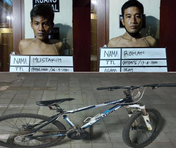 Dua pencuri beserta barang bukti sepeda gayung diamankan di Polsek Denpasar Selatan.